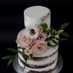 Esküvői torta élő virággal