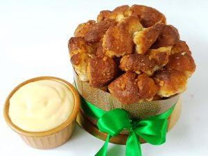 Aranygaluska torta vanília sodóval (4 adagos)